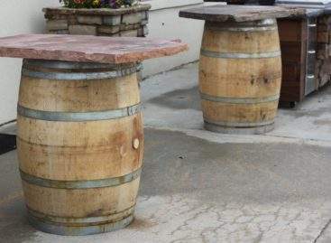 4 Crucial Tips for Choosing A Rustic Bar Table