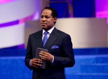 Ministration of gospel by Pastor Chris Oyakhilome
